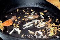 massaman curry paste step 4