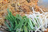 pad thai street food step 7