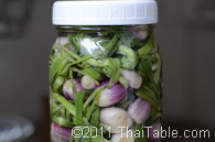pickled red scallions step 4