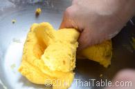 pumpkin sticky rice balls in coconut milk step 3