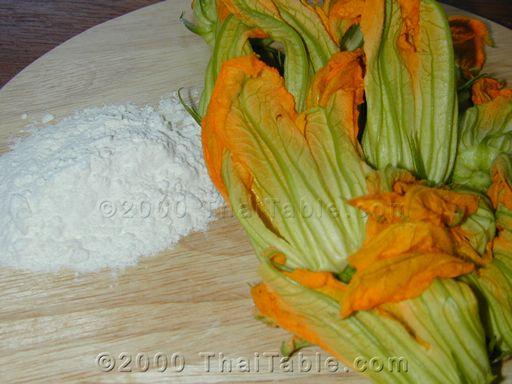 crunchy squash blossoms step 1