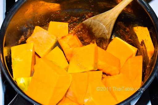vegetarian pumpkin curry step 4
